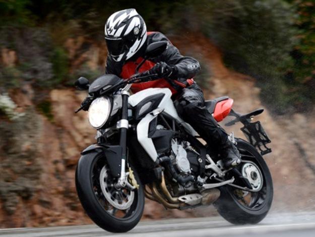 Comparative motorcycles Kawasaki Z800 vs MV Agusta Brutal 800 vs Triumph Street Triples R 675 vs Yamaha FZ8: Trouble at the roadsters