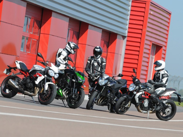Comparative motorcycles Kawasaki Z800 vs MV Agusta Brutal 800 vs Triumph Street Triples R 675 vs Yamaha FZ8: Trouble at the roadsters