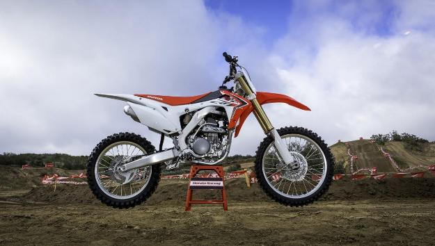 Test Honda CRF250R 2014: The Red Cross goes up a notch!