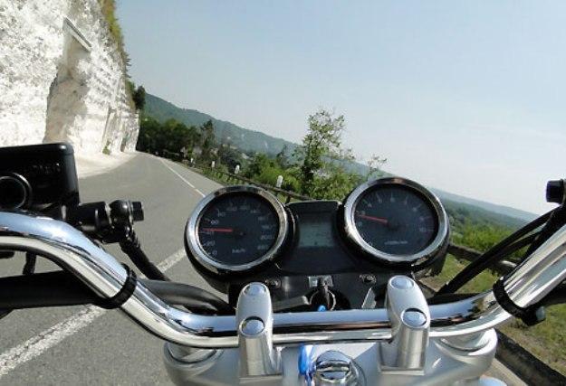 Honda CB1100 Vs Yamaha XJR1300: Classic, it's fantastic!