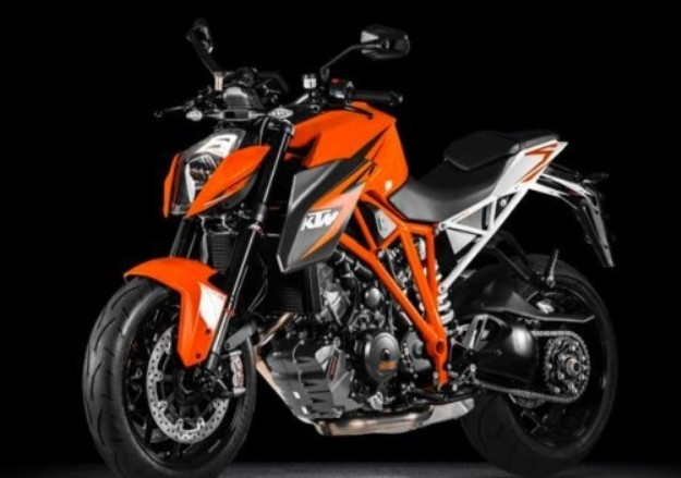 Motorcycle News 2014: KTM 1290 Super Duke R, first information and official photographs