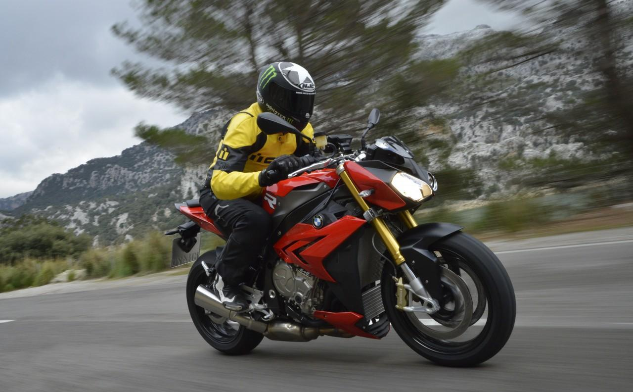 BMW S1000R 2014 Review: The unbridled German roadster