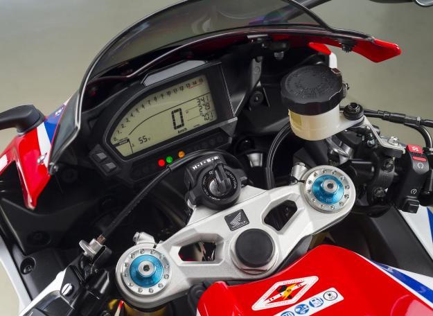Honda CBR1000RR SP 2014 Review: Superb Bike