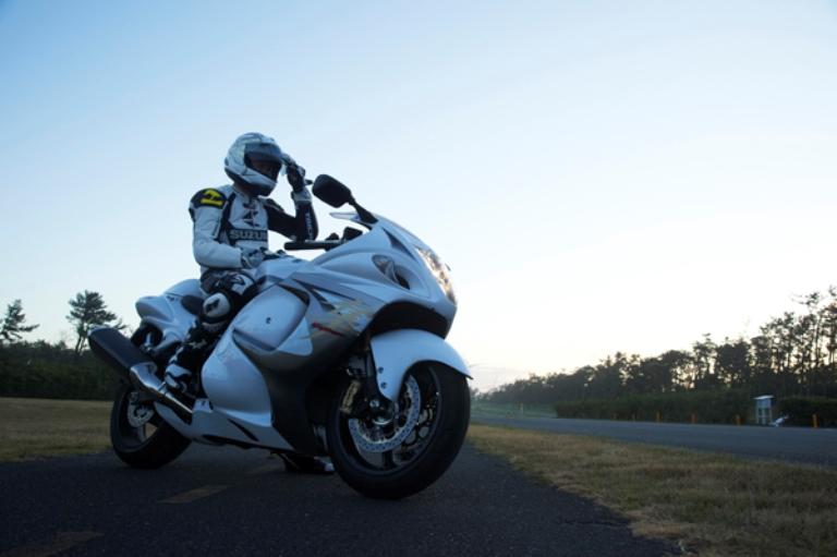 Suzuki Hayabusa 2014Wallpapers: 2nd fastest bike in the world