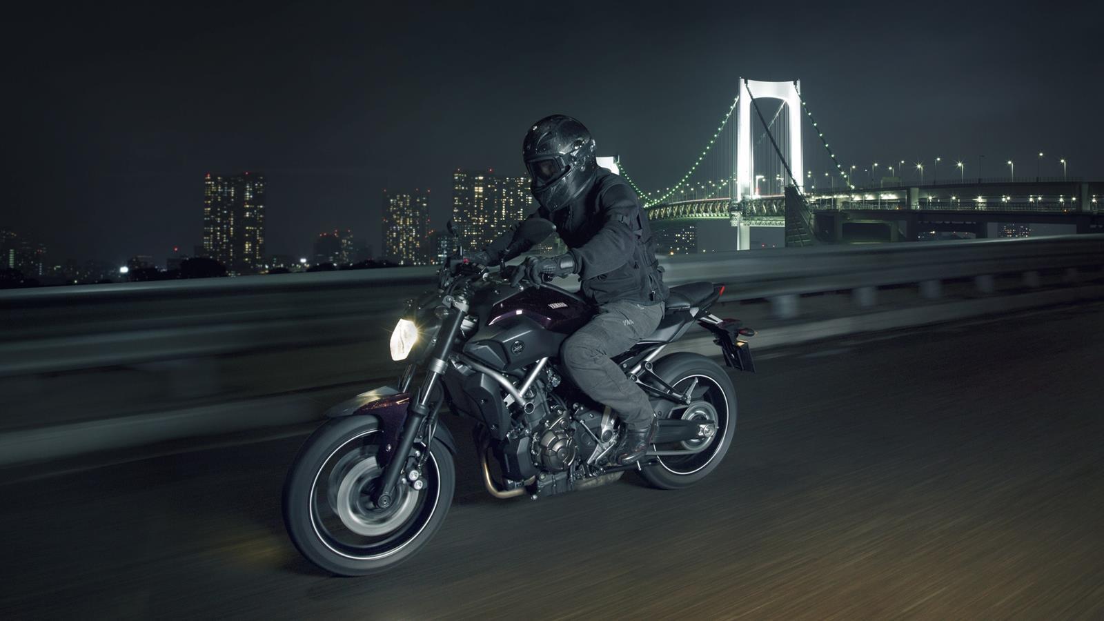 Yamaha-MT-07 Deep-Armor-Action (1600 × 900)