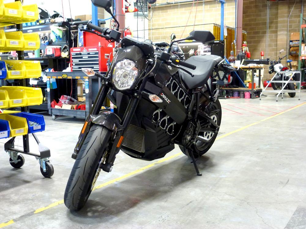 Brammo's Empuls R side garage picture (1000 × 750)