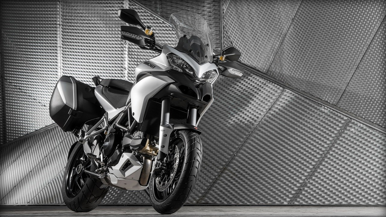 Ducati Multistrada 1200S Touring  Desktop wallpaper (1280 × 720)