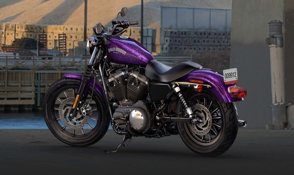 Harley-Davidson Sportster  Iron 883 Wallpaper (1024 × 610)