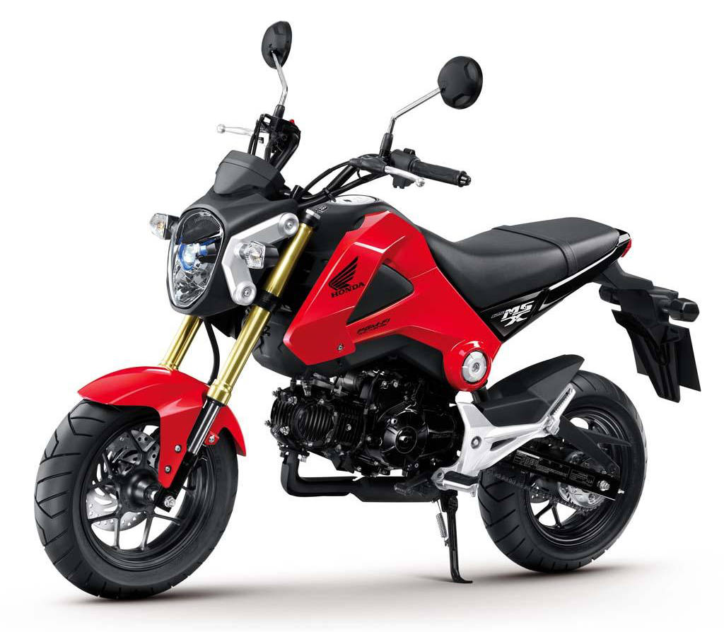 Honda Grom 125 on beach Wallpaper ()
