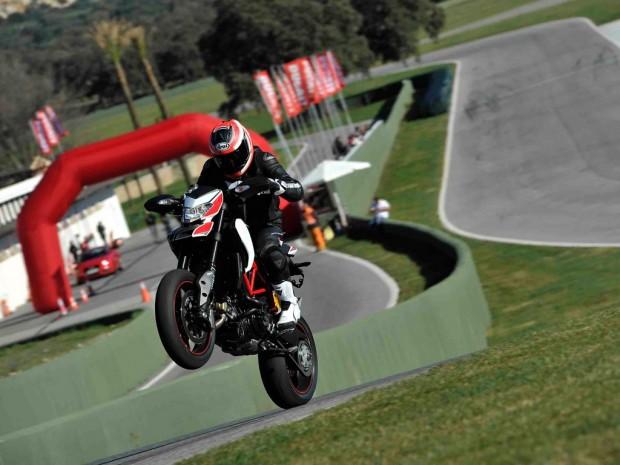 Ducati Hypermotard action wallpaper (1024 × 768)