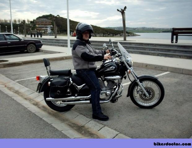 Suzuki Intruder Police man picture (990 × 768)