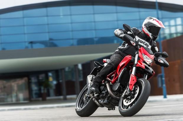 HYPERMOTARD SP Ducati city drive Performance  (1154 × 768)