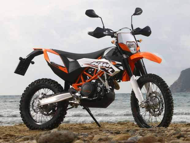KTM 690 Enduro at beach Right sid view wallpaper (1024x773)