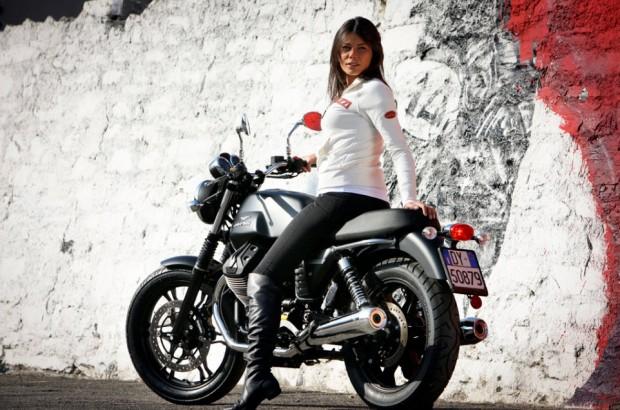 Moto Guzzi V7-Stone driving a beautiful girl picture (962 × 637)