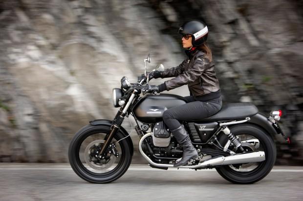 MotoGuzzi V7Stone riding HD Wallpaper  (2000 × 1333)