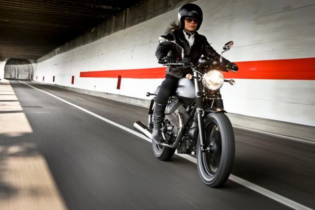 Valentine's special Moto Guzzi-V7 Stone picture (937 × 625)