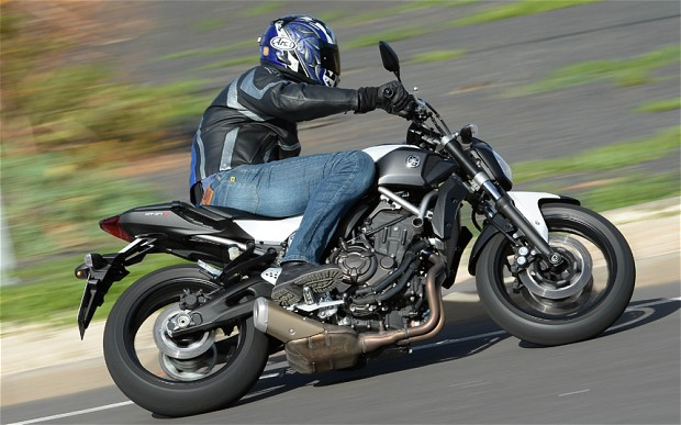 Yamaha MT-07 2014 test