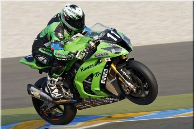 24H Motorcycles: Kawasaki SRC leads the race start