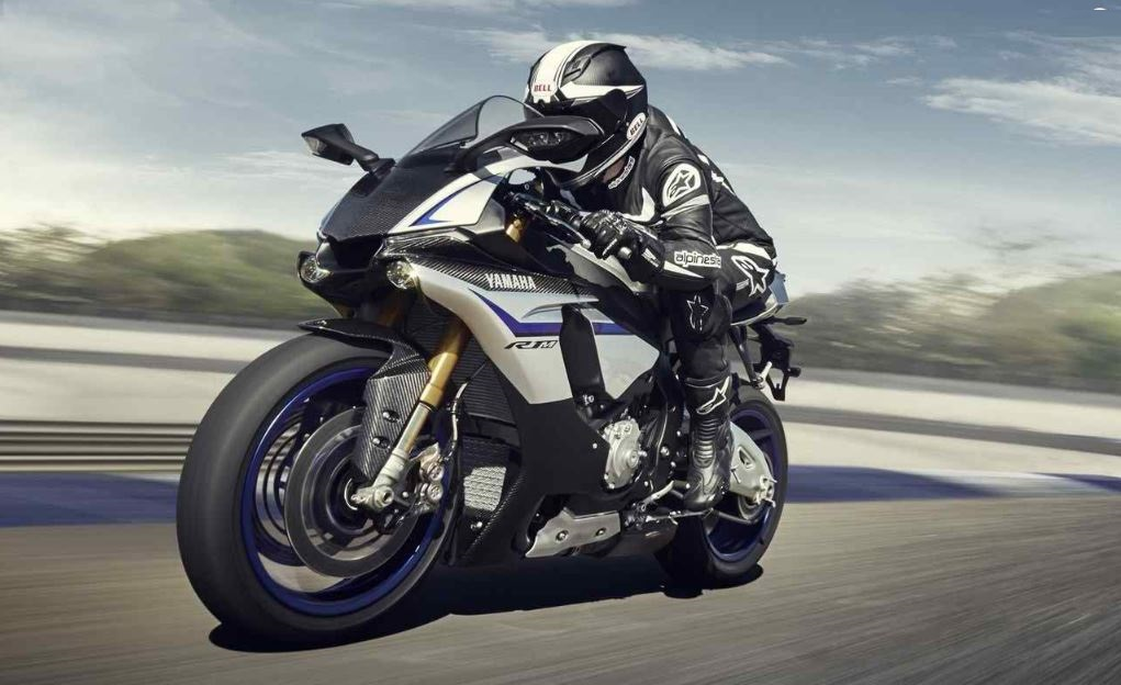 2015 Yamaha YZF-R1M