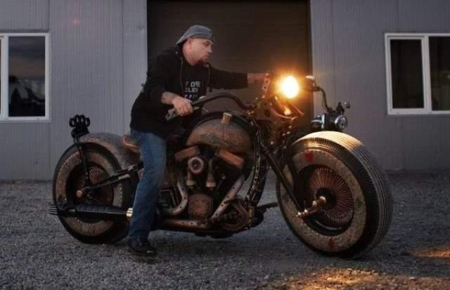 Cheyenne Recidivist, Skin Tattooed Bike