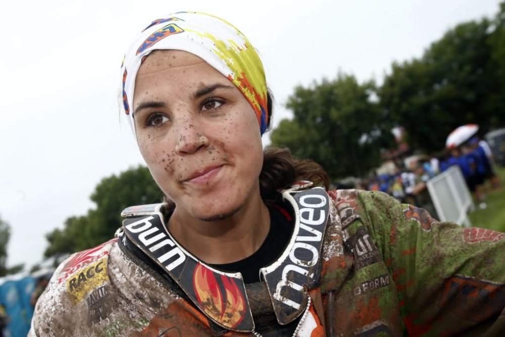 LAIA Sanz Conquers the 2015 Dakar in Females 9th Square