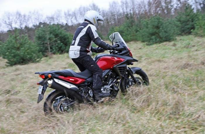 Suzuki DL 650 V-Strom XT Test as Adventurer Motorcycle