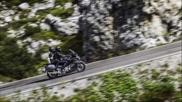 Yamaha JFR1300AE A Sophisticated Roadster