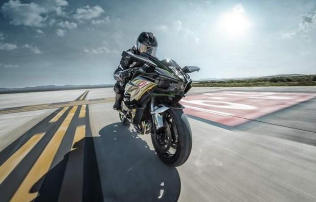 Kawasaki Ninja H2-H2R Test with Review