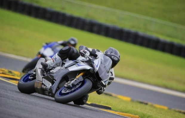 Yamaha R1M Test as Japanese Couture