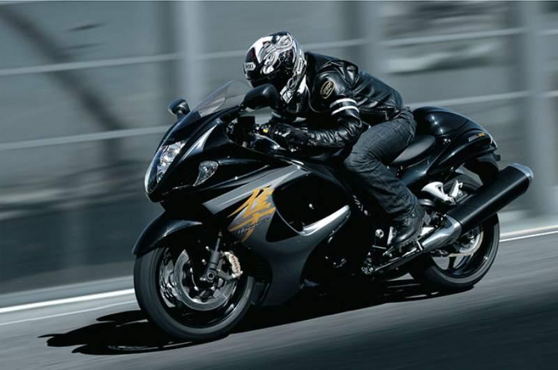 Suzuki Hayabusa SE A Sports-oriented Machines 2015