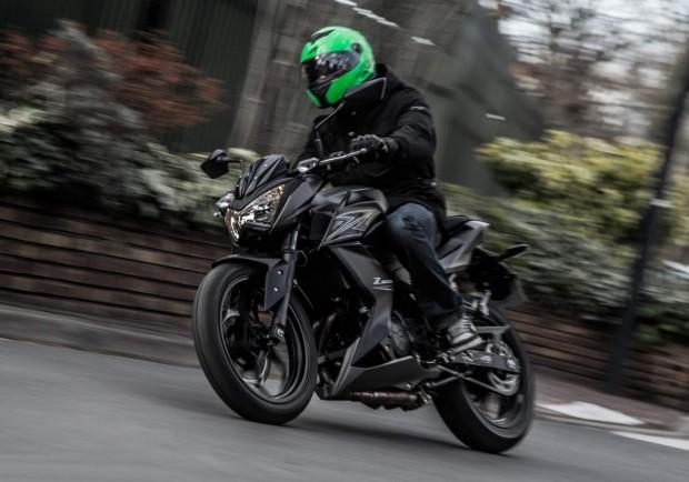 Kawasaki Z300 Baby Boom Test 2015