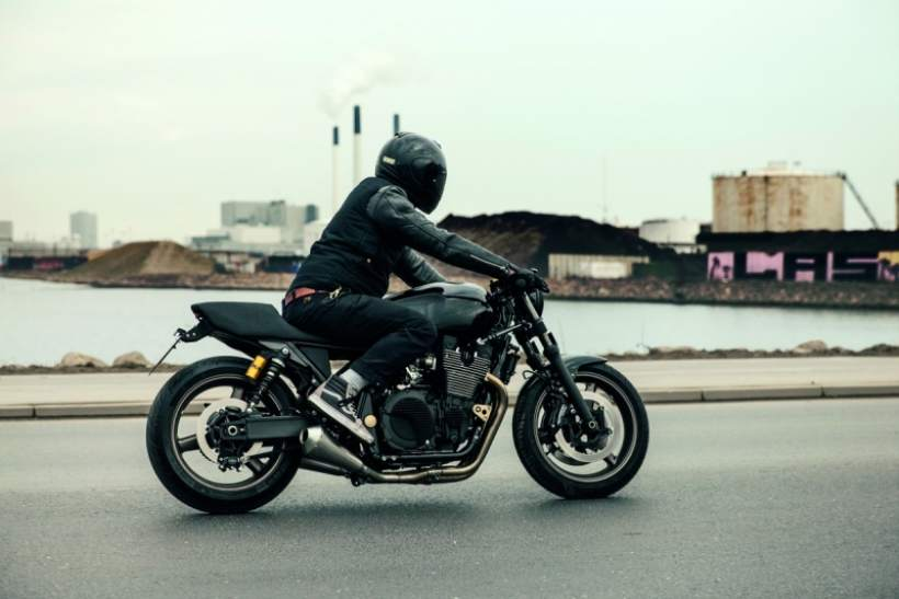XJR1300 Yard Built Skullmonkee Motorcycles by Wrenchmonkees