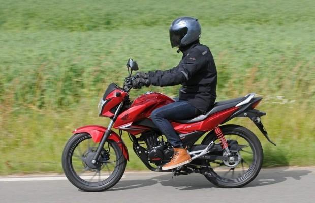 Honda CB125F Simplicity & Efficiency Test