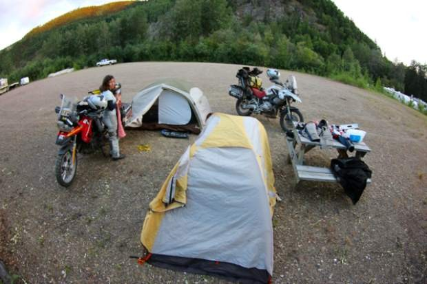 Traveling with Luggage Motorcyclist world Tour on Bike