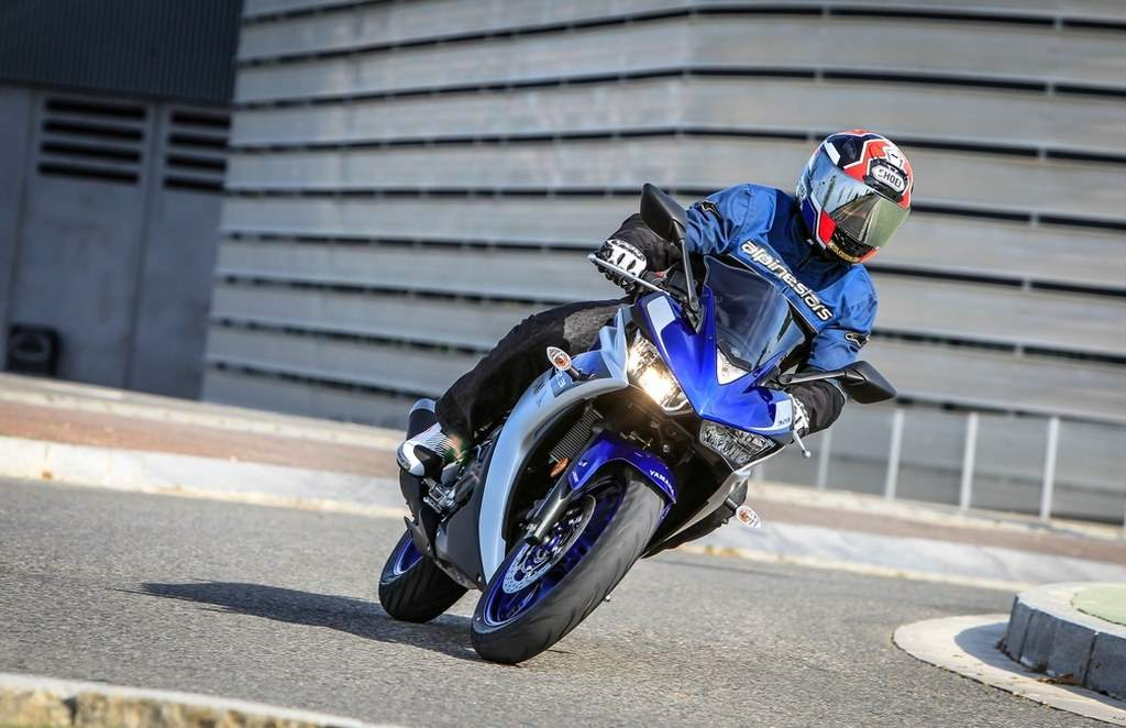 Yamaha YZF-R3 Challenge Test as Starlet of the 400 Promosport