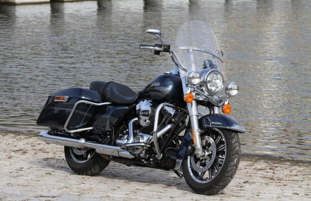 Harley-Davidson Road King Review 2016
