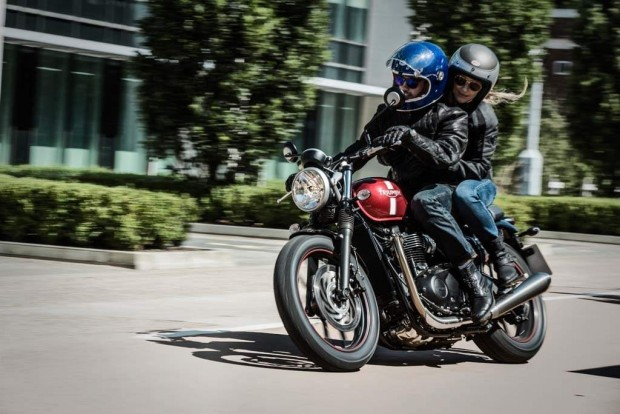 Triumph Twin Street Retro 2016 for Hipsters