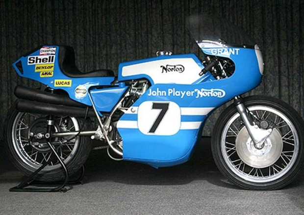 Norton Street Superbike Commando Style Tourist Trophy