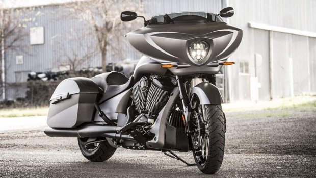 Victory Magnum X-1 Stealth Edition of Cruise Bike 2016