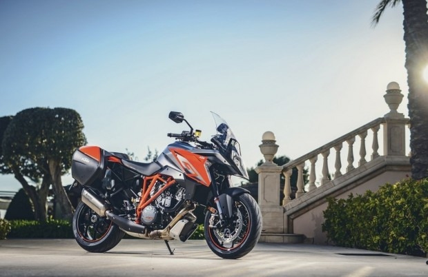 KTM Super Duke 1290 GT Test and Review