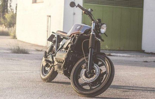 BMW K100 RT in Street Tracker by Ismael Lam Café Racer