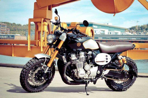 Yamaha XJR1300 Scramble of Atelier 5 and Flash 76