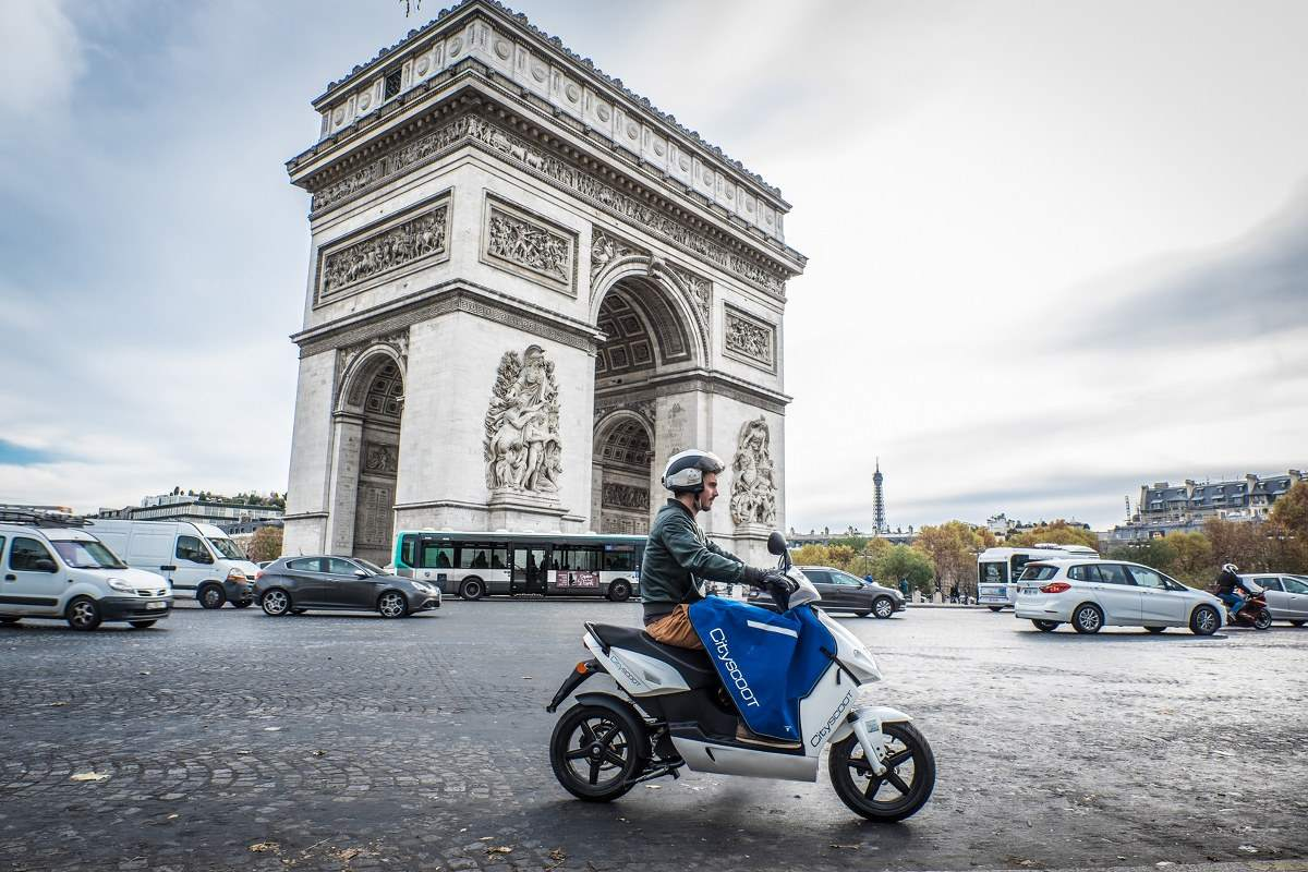 Electric Scooters in Cityscoot Free Service Company