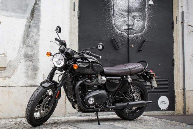 Triumph Bonneville T120 black test