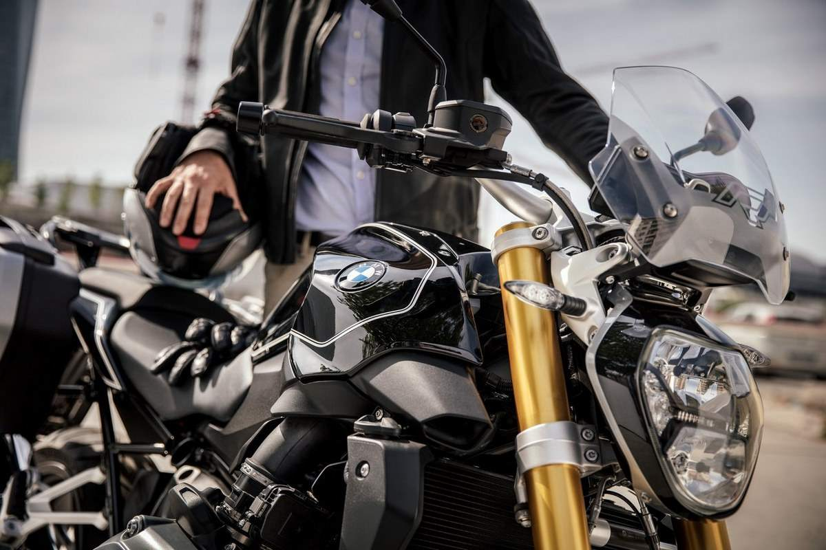 BMW R 1200 R Black Edition